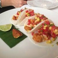 Foto tomada en i Latina Restaurante por Israel G. el 4/18/2013