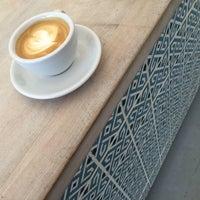 Foto diambil di kaffemik oleh Allan B. pada 9/4/2014