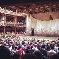 Foto tirada no(a) Shakespeare's Globe Theatre por Ivan V. em 7/26/2013