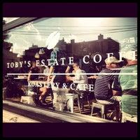Foto scattata a Toby's Estate Coffee da Carl J. il 9/22/2012