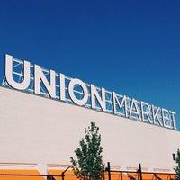 Foto tirada no(a) Union Market por Jared C. em 6/8/2013