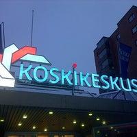 Foto tomada en Koskikeskus por Douglas S. el 2/6/2013