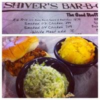 รูปภาพถ่ายที่ Shivers Bar-B-Q โดย Rebecca G. เมื่อ 5/19/2013