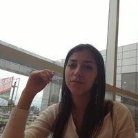 Foto tomada en Patio de Comidas por Ani E. el 10/4/2012