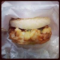 Photo prise au MOS Burger par Lyn 💋 le9/19/2012