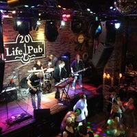 Foto diambil di Life Pub oleh O K. pada 3/7/2013