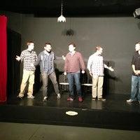 Foto scattata a Dallas Comedy House da Urvi B. il 3/21/2013