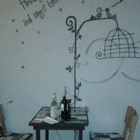 Foto tomada en Entre 2 Petit Bistro por Fernando P. el 12/27/2012