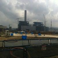 Снимок сделан в Mong Duong Power Plant Site пользователем Jaegoo L. 5/26/2013