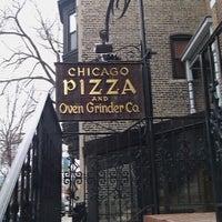 Photo prise au Chicago Pizza and Oven Grinder Co. par Tonya L. le2/21/2013