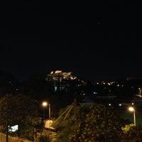 Das Foto wurde bei Skyfall Bar von Nikos A. am 7/12/2013 aufgenommen