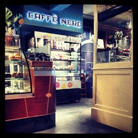Das Foto wurde bei Caffè Nero von Mehmet O. am 5/18/2013 aufgenommen