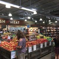 Das Foto wurde bei Whole Foods Market von Albert C. am 7/8/2018 aufgenommen
