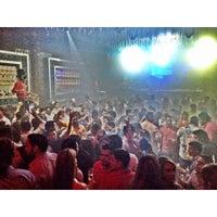 Das Foto wurde bei Spazio Nightclub von MAGMIAMI am 10/5/2013 aufgenommen
