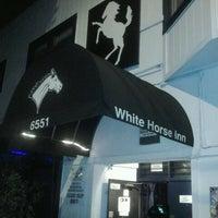 Снимок сделан в White Horse Bar пользователем Lauren B. 5/29/2013