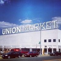 Foto tirada no(a) Union Market por Jason T. em 3/30/2013
