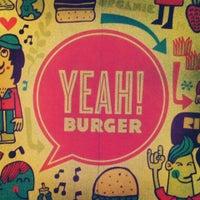 Photo prise au YEAH! Burger par Evan W. le8/12/2013