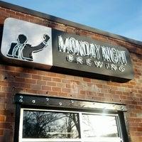 Foto tomada en Monday Night Brewing por Evan W. el 1/21/2013