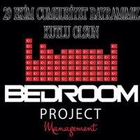 10/28/2013 tarihinde Salih S.ziyaretçi tarafından Club Bedroom Exclusive'de çekilen fotoğraf