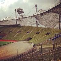 Foto tomada en Olympiastadion por Doris N. el 4/23/2013