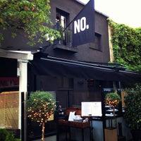Das Foto wurde bei NO Restaurant von Steve W. am 6/22/2013 aufgenommen