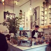 รูปภาพถ่ายที่ Toby's Estate Coffee โดย Steve W. เมื่อ 3/7/2014