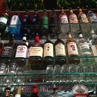 Foto tirada no(a) Halligan Bar por Alexis R. em 4/2/2013