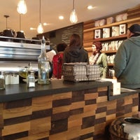 Photo prise au Irving Farm Coffee Roasters par Guy S. le10/7/2012