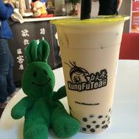 Photo prise au Kung Fu Tea 功夫茶 par greenie m. le9/17/2014