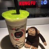 Foto tirada no(a) Kung Fu Tea por greenie m. em 6/23/2017