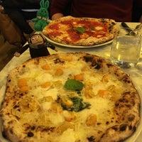 Foto diambil di Sorbillo Pizzeria oleh greenie m. pada 1/24/2018