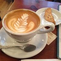 Foto scattata a Birch Coffee da Alper D. il 5/16/2013