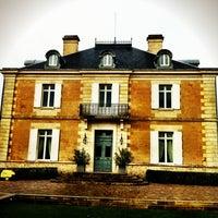 Foto tirada no(a) Chateau Haut Bailly por Vicky W. em 12/13/2012