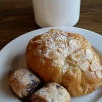 Photo prise au Manhattanville Coffee par Sudana le8/14/2014
