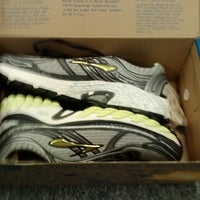 Brooks Sports Outlet - Outlet Store