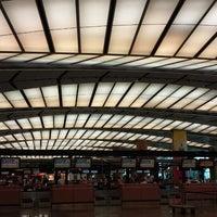 Снимок сделан в Terminal 2 пользователем Skywalker 7/21/2013