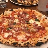 Das Foto wurde bei Fireflour Pizza + Coffee Bar von James G. am 2/13/2018 aufgenommen