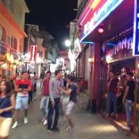 Foto tirada no(a) Kuşadası Club Bar por 👑T G. em 7/5/2013