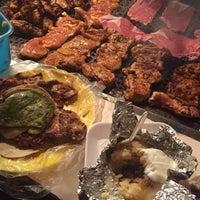 Foto tirada no(a) Tacuqui Tacos por Naz C. em 12/6/2014