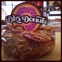 Photo prise au DK's Donuts and Bakery par Mayly le7/15/2013