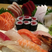 7/6/2013에 Trevor C.님이 Mizu Sushi Bar & Grill에서 찍은 사진