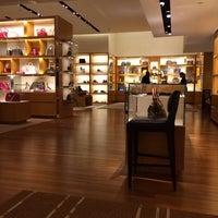 3e4ec38e060 Louis Vuitton - Downtown Troy - 5 tips