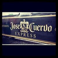 Das Foto wurde bei Jose Cuervo Express von Veronica am 6/23/2013 aufgenommen