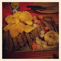 Foto diambil di Barnabé Restaurante e Cachaçaria oleh Maria A. pada 10/6/2012