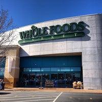 Das Foto wurde bei Whole Foods Market von Vanéli C. am 2/13/2013 aufgenommen