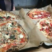 Photo prise au Antico Pizza Napoletana par Troy C. le2/24/2013