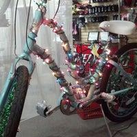 Foto tirada no(a) Village Bikes por Minderella em 12/18/2013