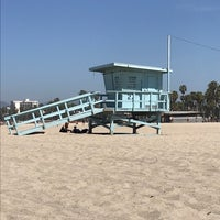 Foto tomada en Lifeguard Tower 28  por Karl V. el 4/22/2018