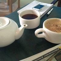 Foto tirada no(a) Bridgeport Coffee Company por Jaclyn S. em 2/18/2013