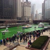 3/16/2013 tarihinde Scott H.ziyaretçi tarafından Chicago Riverwalk'de çekilen fotoğraf